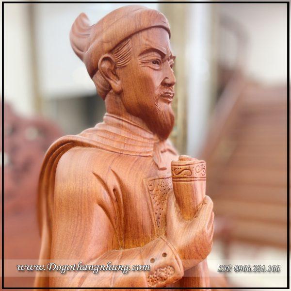 tượng trần quốc tuấn gỗ hương