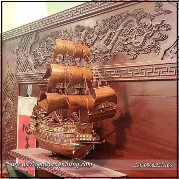 thuyền buồm gỗ