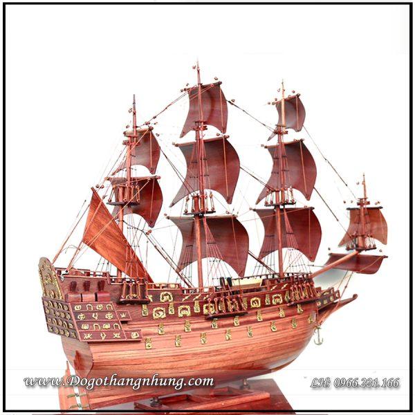 Thuyền gỗ trang trí
