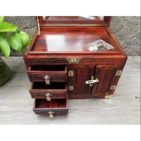 Tủ để nữ trang bằng gỗ